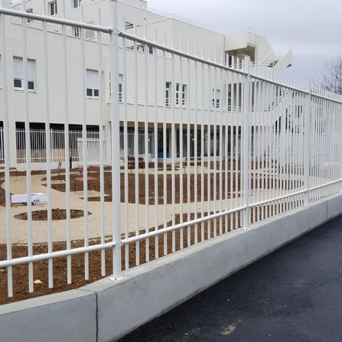 installation clôture pour professionnels